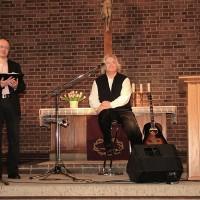 Pfarrer Bilz eröffnet die Veranstaltung.